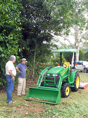 New-Tractor-for-Hopevale-Business